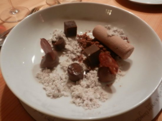 Chalet Rustique : Seven types of chocolate as promised!