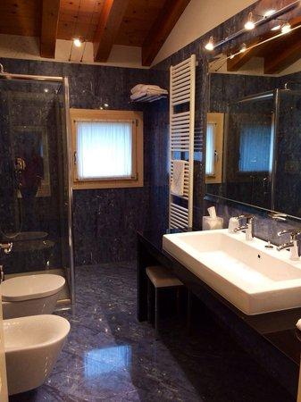 Ca' Mura, Natura & Resort: Bagno della junior suite