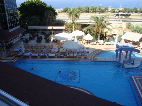 Dinler Hotels - Alanya: View from balcony