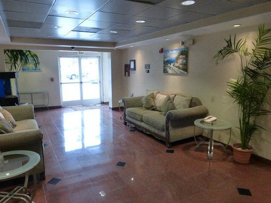 Comfort Inn - Los Angeles / West Sunset Blvd.: Lobby