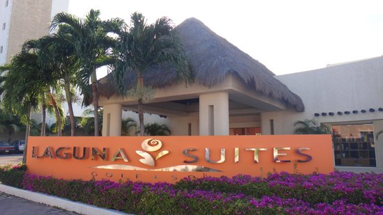 Laguna Suites Golf & Spa: Entrada