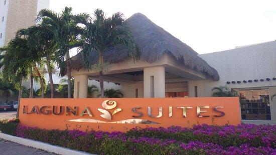 Laguna Suites Golf & Spa : Entrada