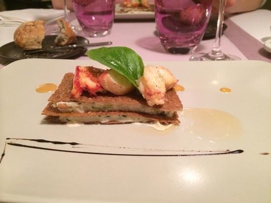 Le Grenier a Sel : millefeuille de sarrasin tourteaux et homard