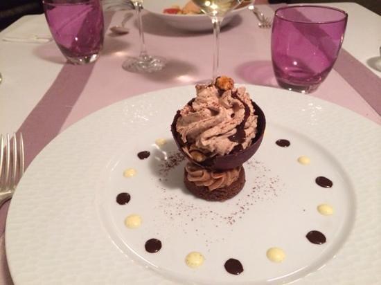 Le Grenier a Sel : dome chocolat praline