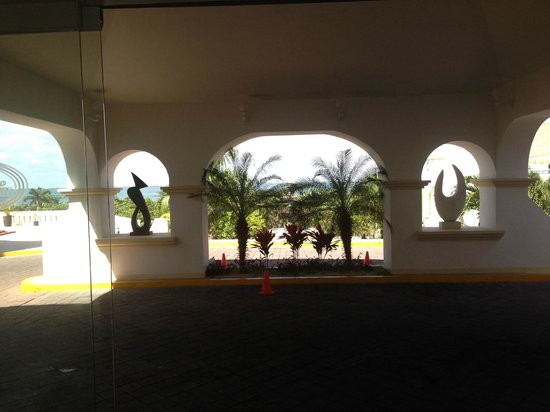Casa Turquesa Boutique Hotel: Front Entry, Lagoon side