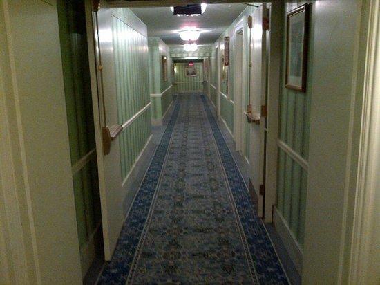Hyatt at The Bellevue : Hallway