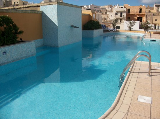 Maritim Antonine Hotel & Spa : rooftop pool