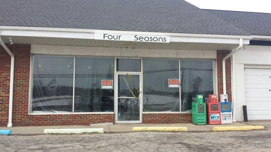 Four Seasons Diner : CLOSED - JAN 2014