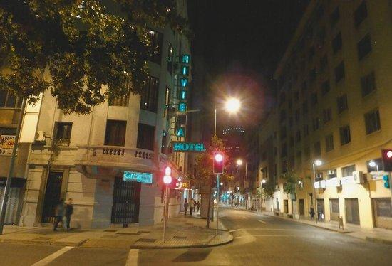 Riviera Hotel: Hotel from street