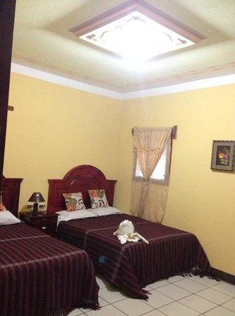 Boxbolandia Hotel: Amplia, confortable e higienica habitación.