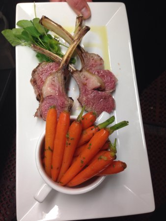 Crystal Bay Steak & Lobster House : Colorado lamb rack with baby carrots