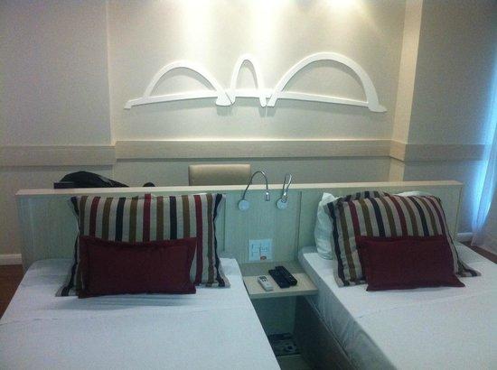 Mercure Apartments Brasilia Lider: Quarto bem iluminado, bom para quem precisa trabalhar