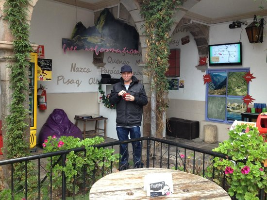 Pariwana Hostel Cusco : Courtyard Tea Station