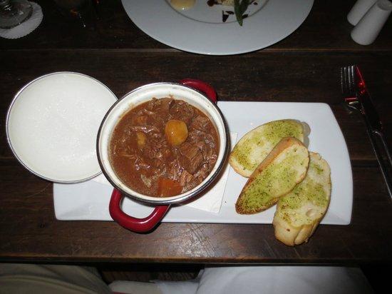 Papillon Restaurant: Beef bourguignon