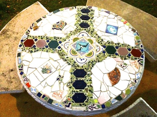 Negril Yoga Centre : View from above the garden tile tables for outdoor dining.