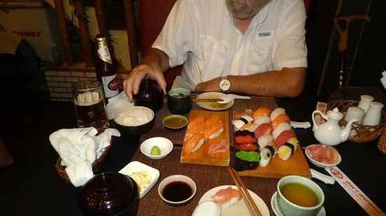 OH ! SUSHI BAR: Sushi-Moriawase-A Set and Salmon Sake Set
