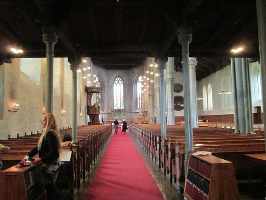 Domkirken (Bergen Cathedral) : 大聖堂のの内部