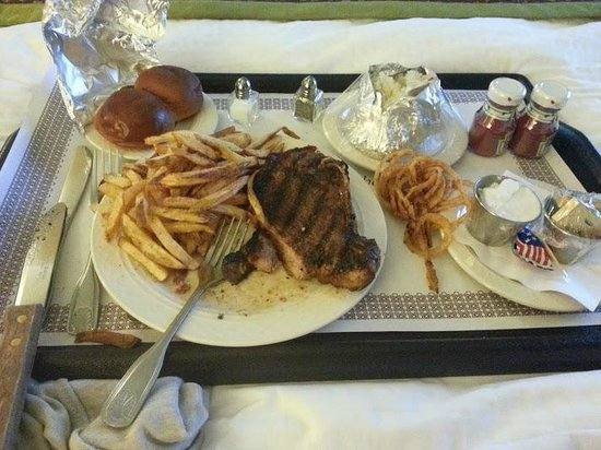 Doubletree Hotel Little Rock: Room Service