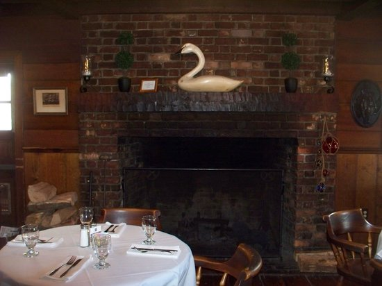 Robert Morris Inn: The Tavern/Restaurant