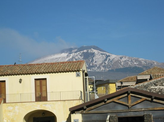 Monte Etna: Etna from Catania