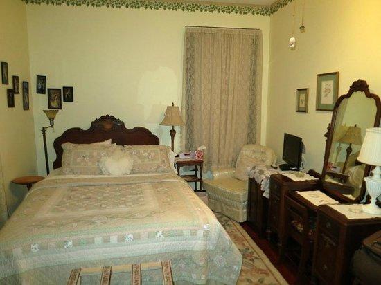 River Park Inn : Ground floor bedroom
