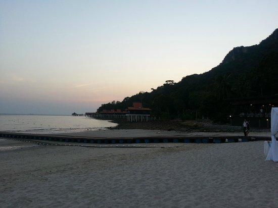 Berjaya Langkawi Resort - Malaysia : Hotel beach