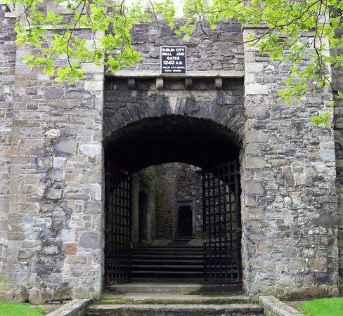 St. Audeon's Church: St. Audoen's Gate