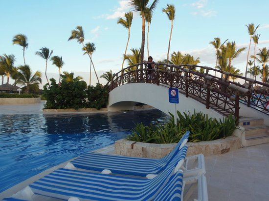 Grand Bahia Principe Punta Cana: Pool near beach