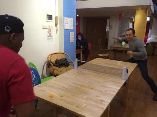 Lazy Gaga Hostel: Ping pong