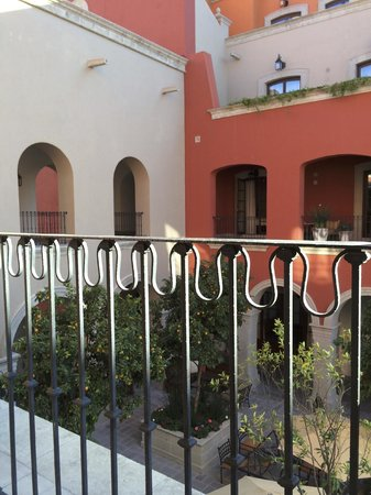 Rosewood San Miguel de Allende : Looking into the courtyard