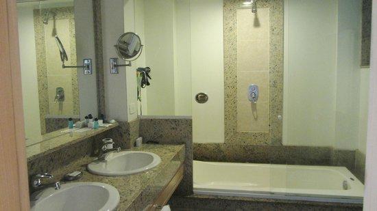 Hotel Astoria Palace: baño del hotel