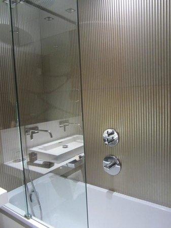 Hotel Espana: bath