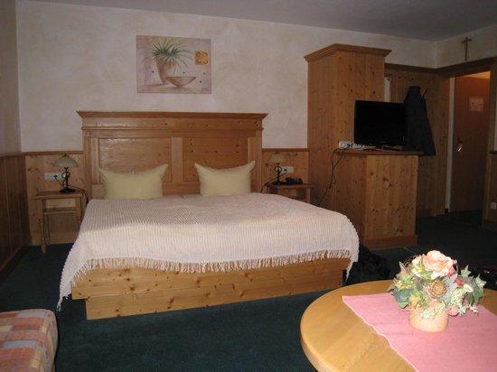 Hotel Klosterhotel Ludwig der Bayer: Bedroom part of studio apartment