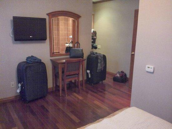 Belnord Hotel: Bedroom, view of bed.