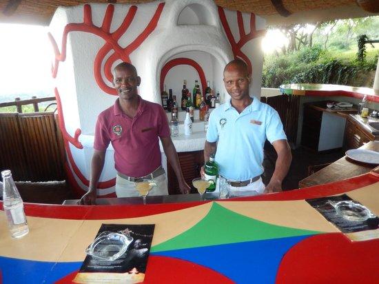 Lake Manyara Serena Lodge: Friendly Bar Tenders