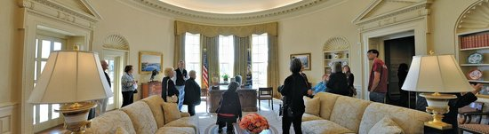 george bush oval office. The George W. Bush Presidential Library And Museum: Panoramic View Of Replica Oval Office
