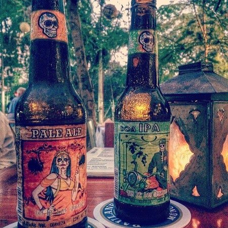 Club de la Cerveza: 2 really great craft beers we enjoyed on the patio