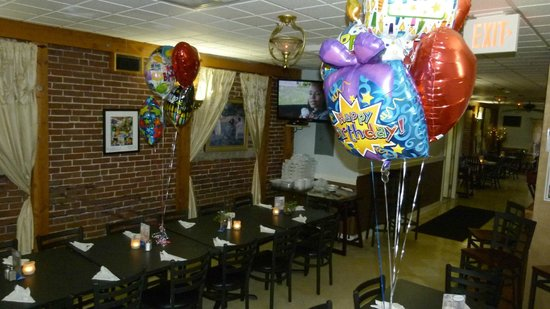 84 court St Pizza and Restaurante: Plenty of seating - Host your next party with us!