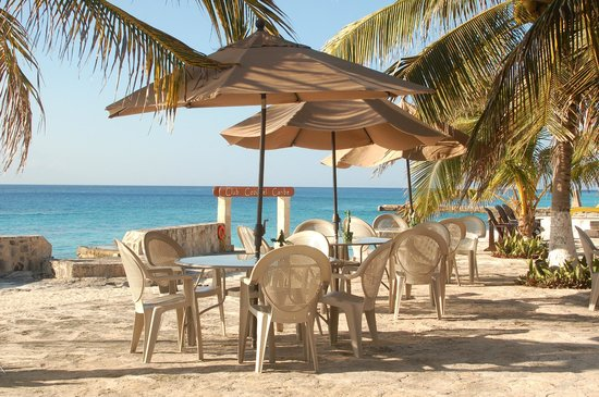 Buccanos Grill & Beach Club Cozumel