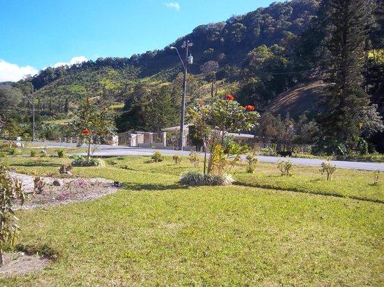 The Riverside Inn Boquete: View  surrondings ground