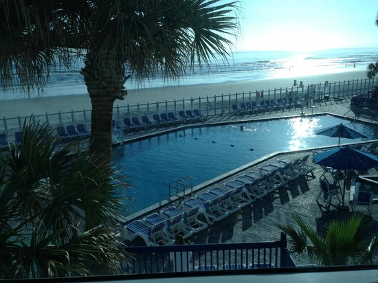 Islander Beach Resort: View of beach and pool from room