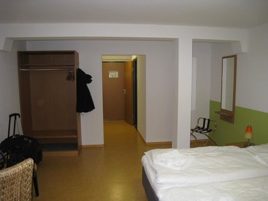 Ecoinn: You had to avoid the pillar in the middle of the room
