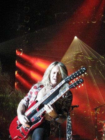 Raiding The Rock Vault: So much awesome guitar work!!!