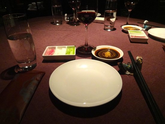 Duck De Chine : table set up for the duck