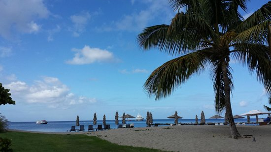 Four Seasons Resort Nevis, West Indies : Four Seasons Beach