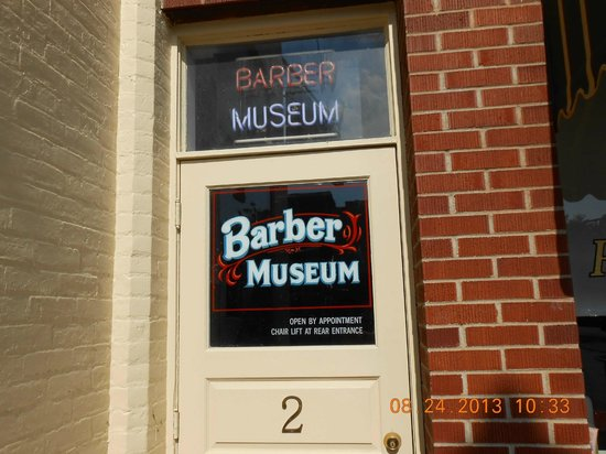 National Barber Museum : Entrance to Barber Museum