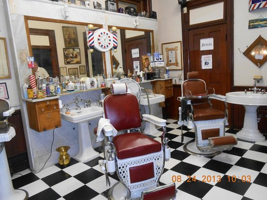 National Barber Museum : 1950's style barber shop
