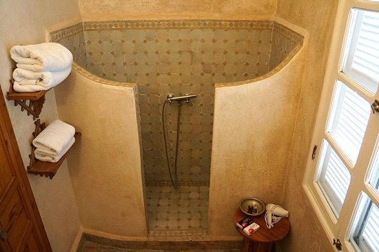 Riad Malaika: Hand-held Shower