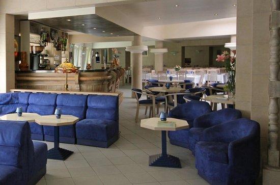 Hôtel Atlantic : Espace bar et salon