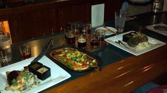 Mahogany Ridge Brewery and Grill: Very enjoyable dinner at Mahogany Ridge Brewery